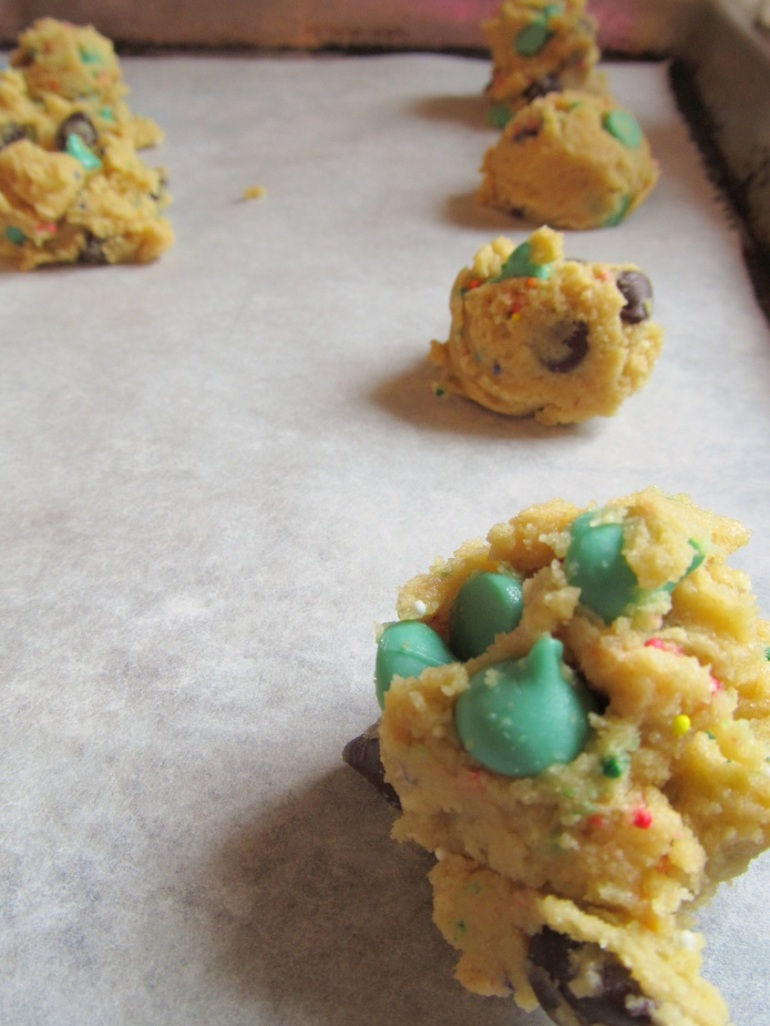 I LOVE mint chocolate cookies. That's why we never bake them.