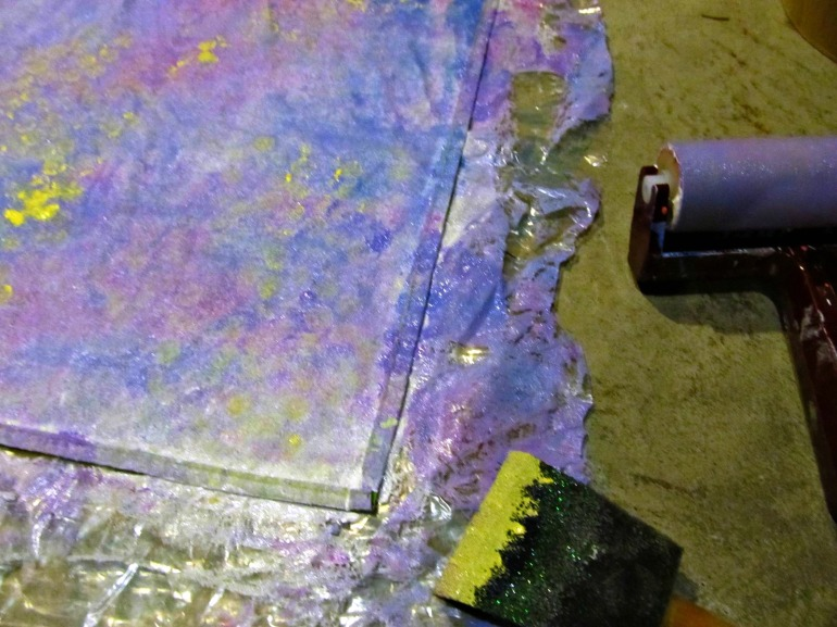 I love painting with bubble wrap. It creates such a cool texture, especially with contrasting colors.